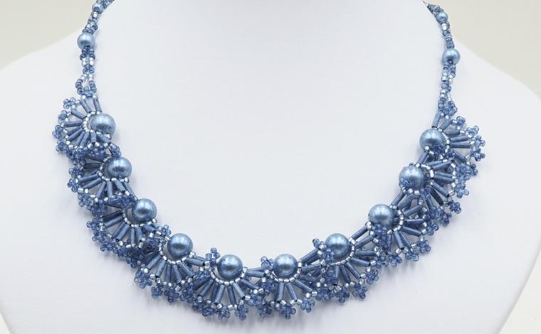 藍ビーズキット「ネムの花」ネックレス
